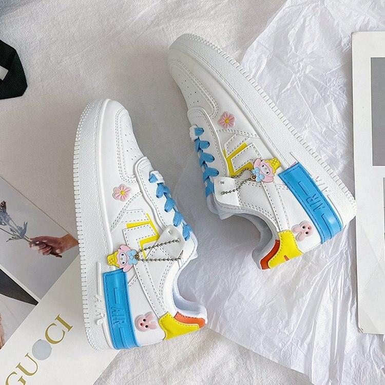 المرأة على الطراز الكوري 2021 جديد طالب ماكرون حذاء أبيض أحذية عصرية للنساء أحذية رياضية أحذية نسائية