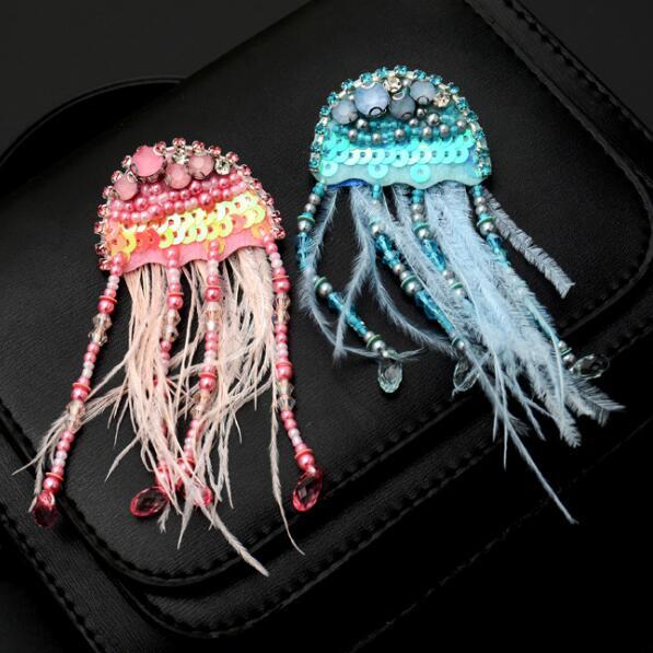 1pc medusa frisado broche remendo diy strass pena costurar no crachá feminino corsage apliques borla parches bordados para ropa