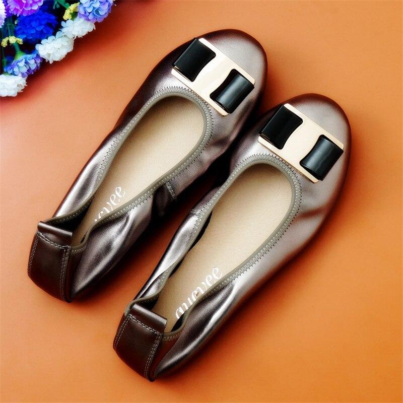 Zapatillas de Ballet para mujer, con hebilla de lazo de Metal y piel auténtica 2020, zapatos de punta redonda a la moda para mujer, mocasines cómodos y suaves