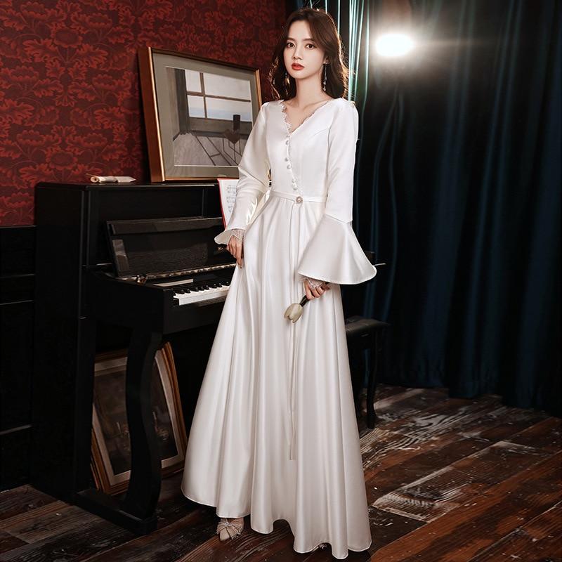 Promo 2021 luxury design French Satin light wedding dress light luxury celebrity temperament simple foreign style banquet white dress