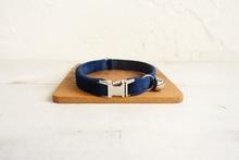 Collier pour petit chien de compagnie le saphir bleu réglable chat plaque signalétique ID 2 tailles Poly Satin et Nylon chat collier ceinture petite cloche