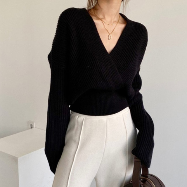 Korean version chic pit long-sleeved loose knit sweater woman autumn winter new style temperament v-neck waist slimming jacket 2