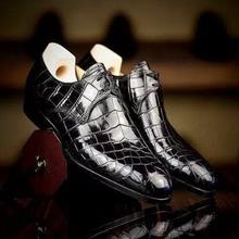 Men's PU Classic Crocodile Pattern Pointed Toe Low Heel Single Buckle Fashion Trend All-match Busine