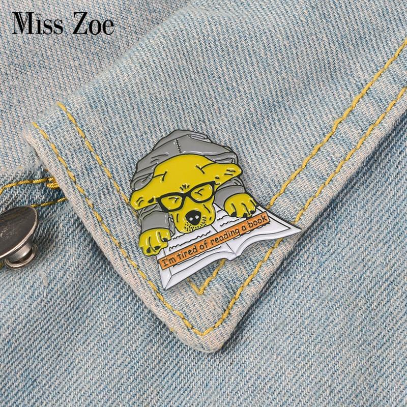 Golden Retriever Enamel Pin Cartoon Reading Dog Brooches Bag Clothes Lapel Pin Animal Badge Cartoon Puppy Jewelry Gift Kids