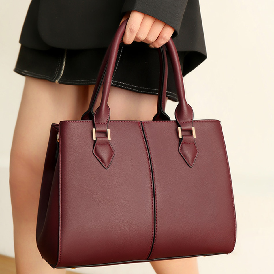 حقيبة يد جلدية فاخرة للنساء ، حقيبة كتف مصممة ، حقيبة حمل غير رسمية