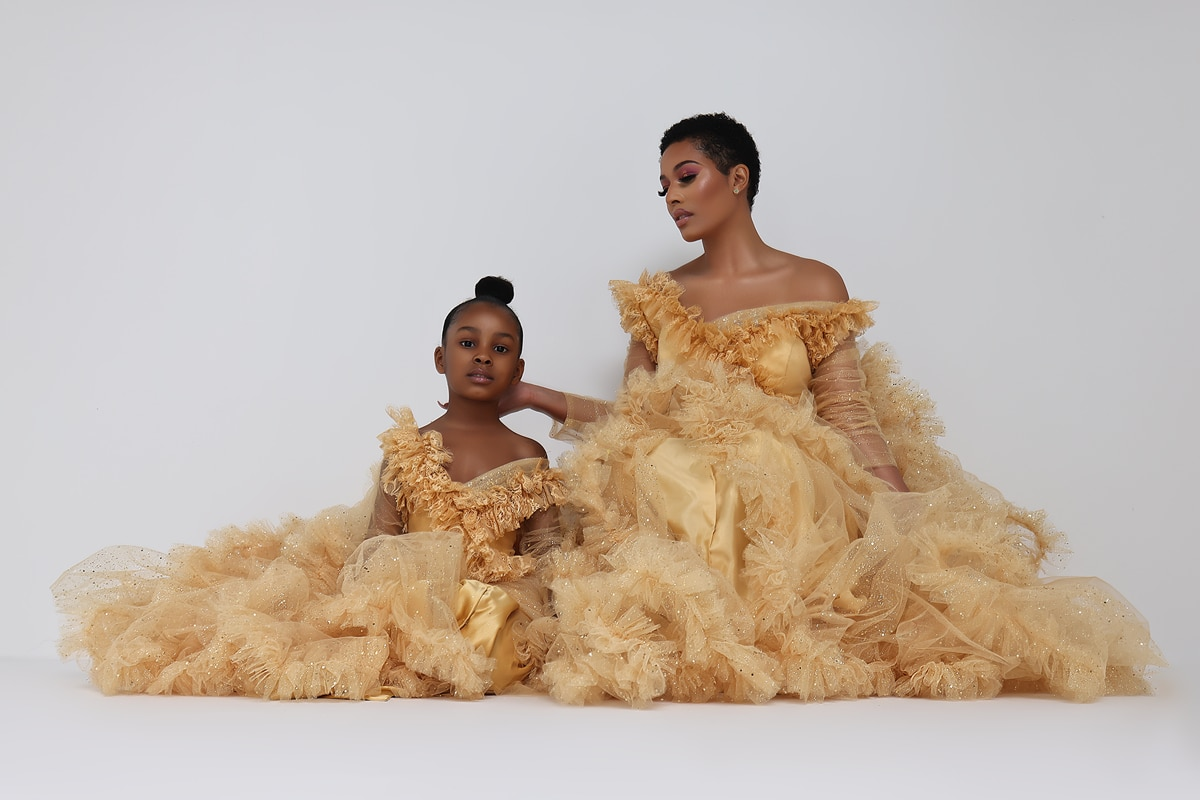 Custom Made Mom And Dauther Tulle Party Dresses Extra Puffy Asymmetrical Neck Long Sleeve Mother Kids Dress for Photo Shoot enlarge