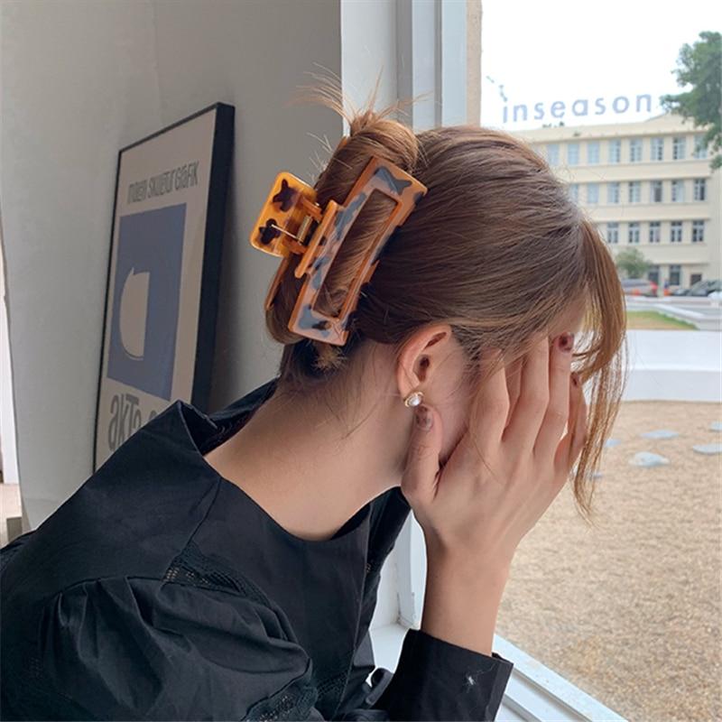 AOMU 2021 New Hyperbole Simple Leopard Acrylic Elegant Hair Claw Clips Makeup Hair Styling for Women
