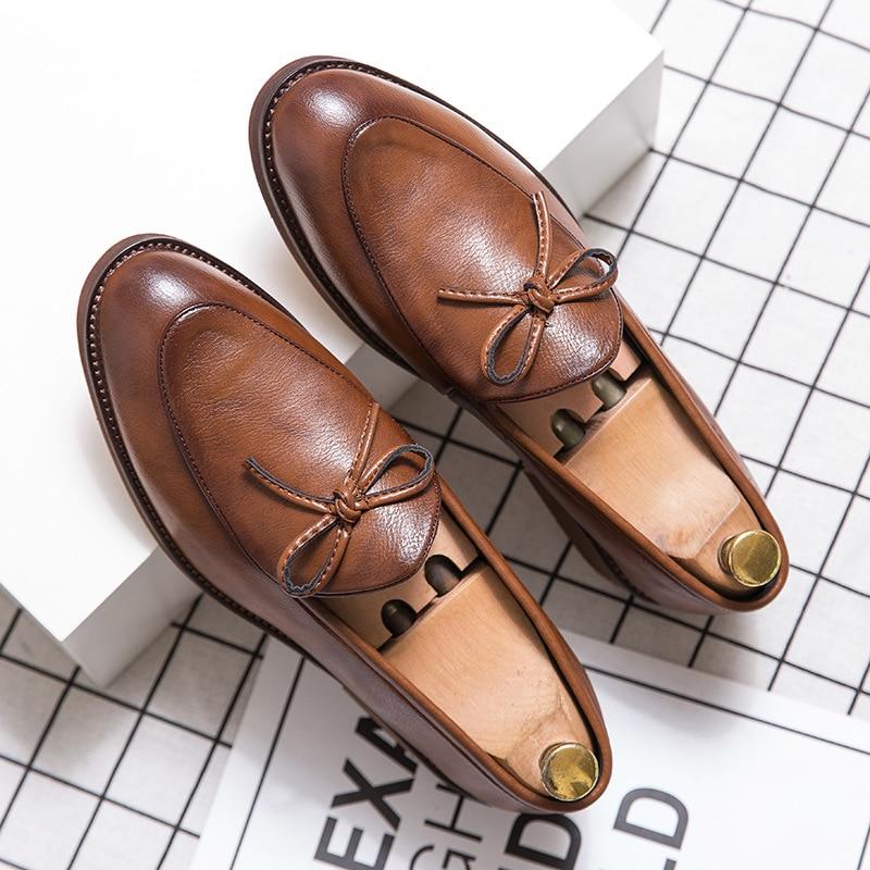 Yomior الفاخرة العلامة التجارية الجديدة أحذية مصممين الرجال عالية الجودة حذاء كاجوال خمر شرابة فستان رسمي أحذية الزفاف المتسكعون الشقق