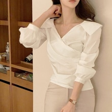 2021 Early Spring New Products Korean Style Gentle Age-Reducing V-neck Design Sense with Small Highl