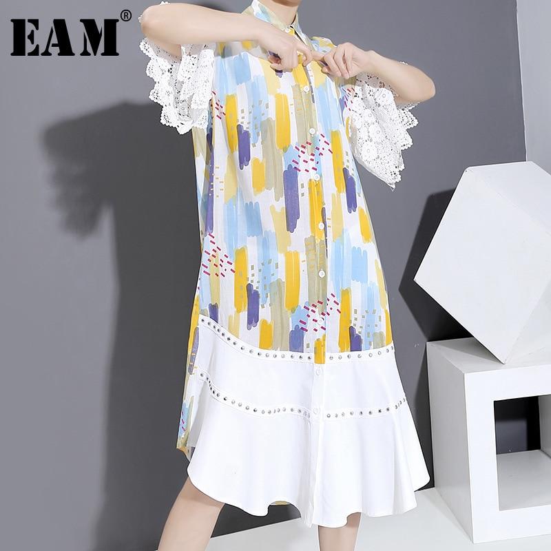 [EAM] Frauen Spitze Niet Muster Gedruckt Lange Hemd Kleid Neue Revers Halbe Hülse Lose Fit Mode Flut Frühjahr sommer 2020 1U524