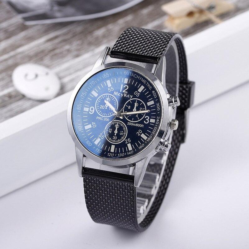 Reloj de cuarzo azul claro de tres esferas popular para hombres deseo gran oferta cinturón de malla de plástico de negocios de ocio para hombres