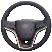 Coser a mano negro de cuero Artificial protector para volante de coche para Chevrolet Malibú 2011-2014 voltios 2011, 2012, 2013, 2014, 2015