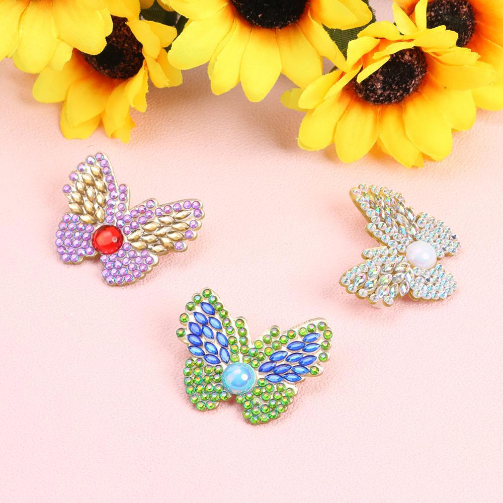 3 uds DIY broche de diamante de taladro completo mariposa Rhinestone chaqueta suéter Lapel Pin Ámbito de aplicación suministros de fiesta boda