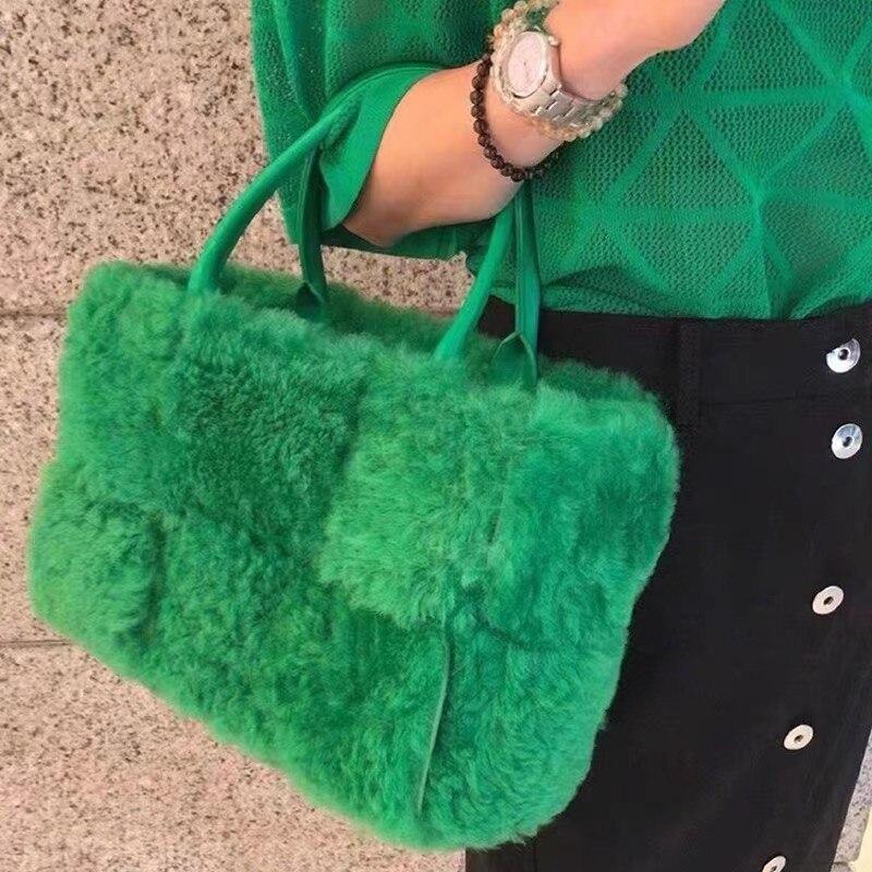 Plush Handbag Arco Tote With Detachable Interior Zipped Pocket 2021 Winter New Woven Fur Big Capacit