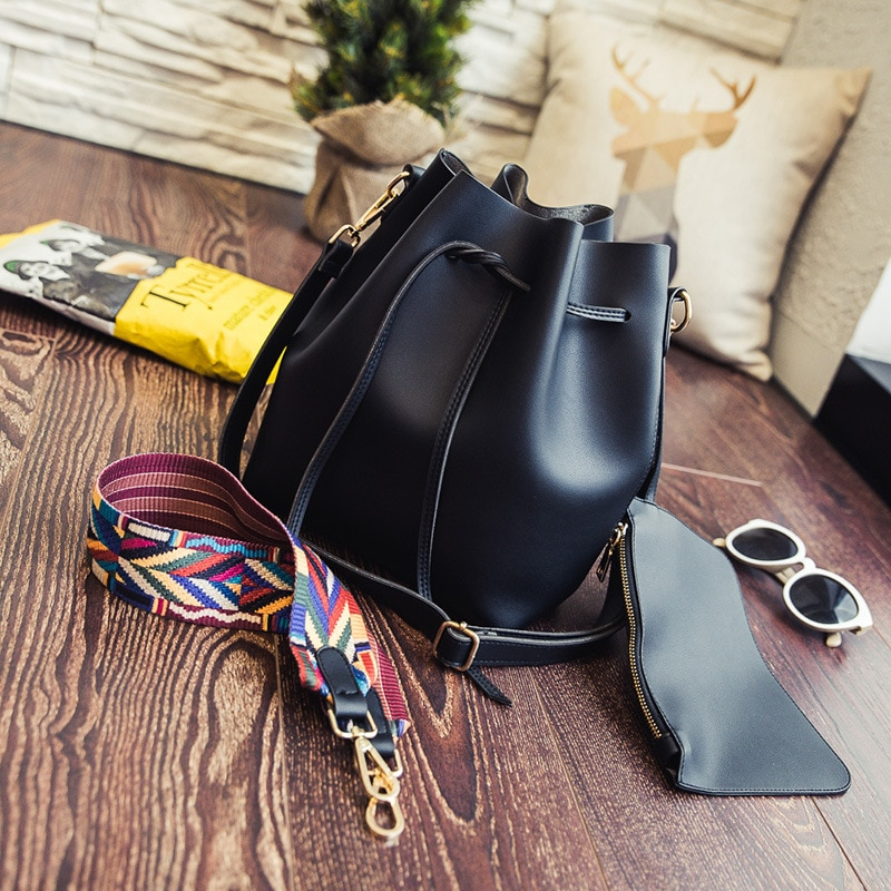 Factory Models 2020 New Fashion Women's Bag Pumping Bucket Bag Ribbon Hand Strap Shoulder Messenger