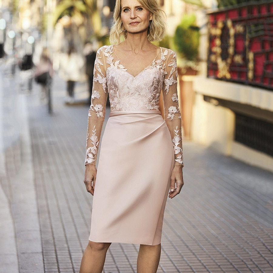 2021 Sheath V-Neck Satin Short Pink Party Dress for Wedding Guest Lace Long Sleeves Mother of the Br