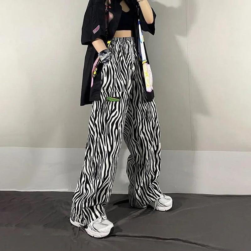 Фото - Zebra Stripes Pattern Trousers Loose High Waist Thin Straight Printing Wide Leg Female Pant Casual Women Pants Jogger Streetwear new style plus size women s trousers loose zebra pattern casual trousers
