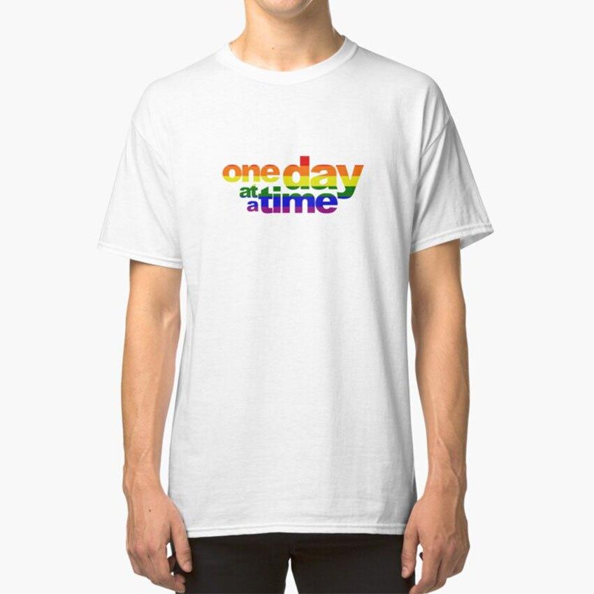 Un día en un momento-orgullo T - Shirt Odaat un día A...