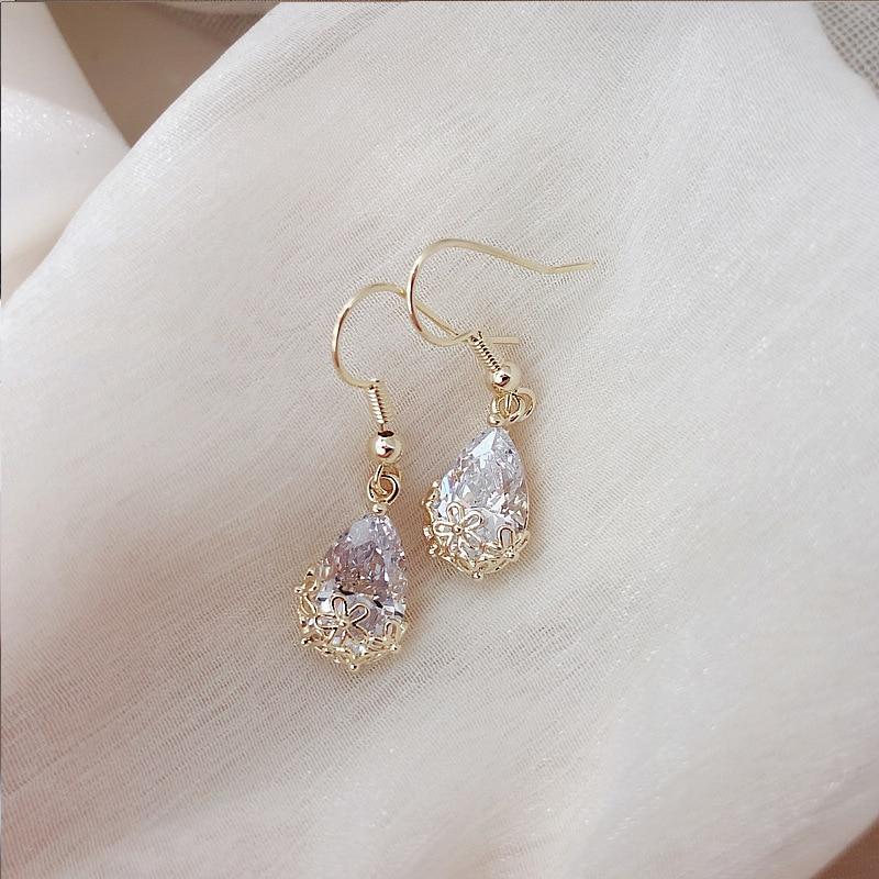 2019 Korea Hot Fashion Jewelry Premium Water Drop Zircon Earrings Elegant Design Metal Cutout Earrings for women gift