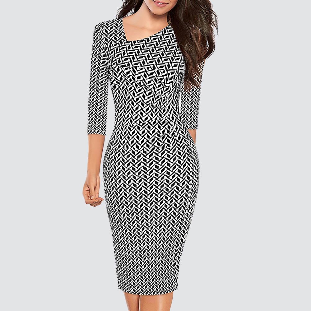 Женское облегающее платье-карандаш с рукавом 3/4 и принтом