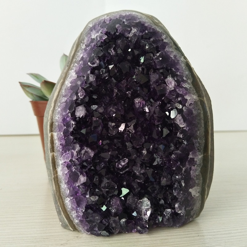 High quality Uruguay stone amethyst geode crystal quartz cluster home decor display amethyste pierre naturelle