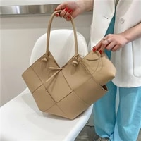high quality leather fashion casual shoulder bag 2021 summer new trendy texture handbag foreign style large capacity tote bag