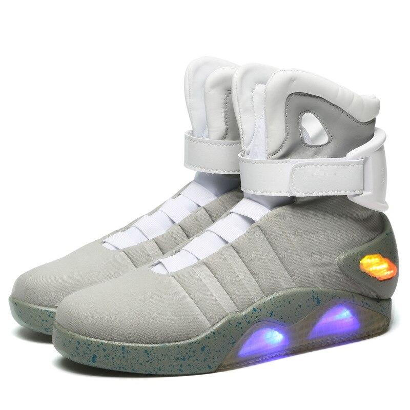 "Hombres zapatos de baloncesto Zapatos de luz Led zapatillas de deporte de los hombres ""De vuelta a futuro"" led brillante zapatos para hombres COsplay Zapatos altos"