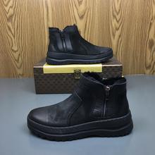 Botas de nieve cálidas de piel de invierno para hombre a la moda, zapatillas de deporte para hombre de estilo de combate de tobillo de alta calidad, zapatos de marca de cuero genuino negro