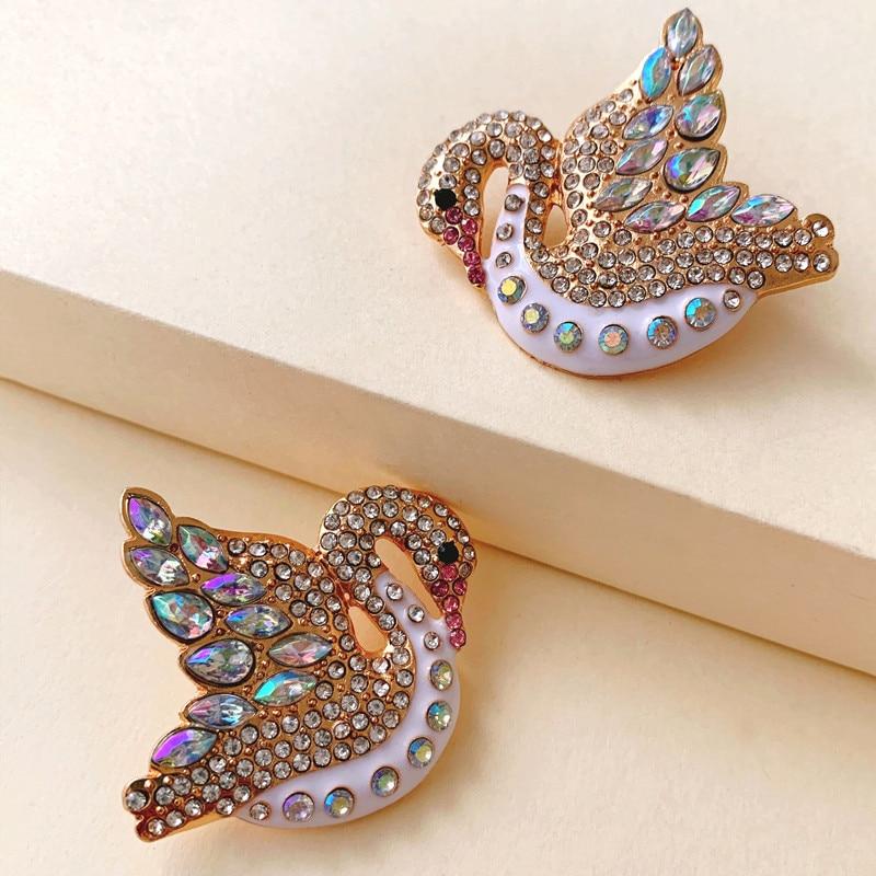 Joyería romántica de diseño clásico de JURAN, pendientes de tuerca de cristal con diamantes de imitación de cisne a la moda 2020 para mujer, elegantes regalos de joyería para boda
