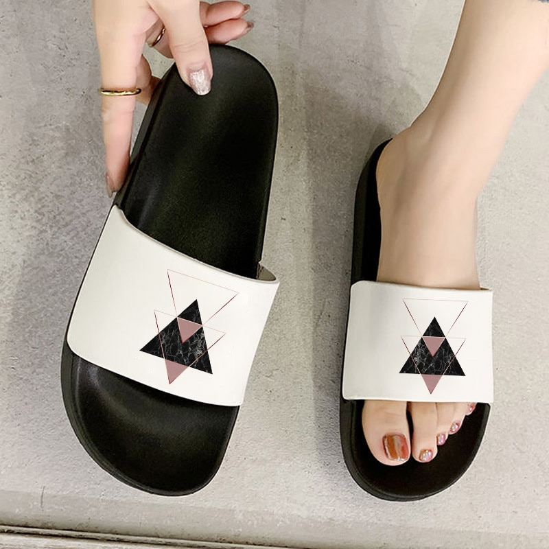 Women Flat Slippers Summer Beach Soft Sole Slide Sandals Leisure Ladies Indoor Bathroom Anti-slip Sh