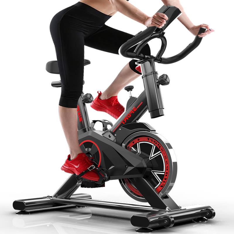 Bicicleta de girando para Fitness en interiores de equipo de gimnasio... Bicicleta esttica para hacer ejercicio