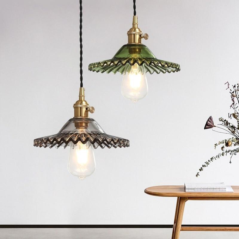 مصباح زجاجي معلق بلون فاتح ، مع مفتاح وسلك مضفر ، قاعدة نحاسية على الطراز الاسكندنافي ، لغرفة المعيشة ، المطعم ، البار