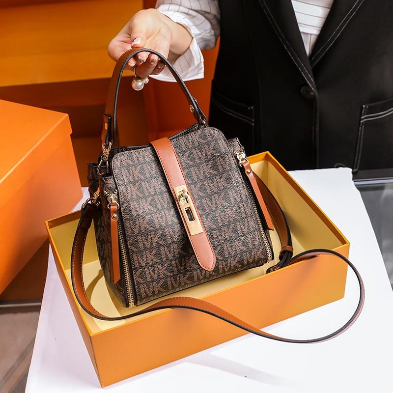 Brand women's bag 2020 new type of messenger bag light luxury bucket bag leather handbag luxury accessories single shoulder bag