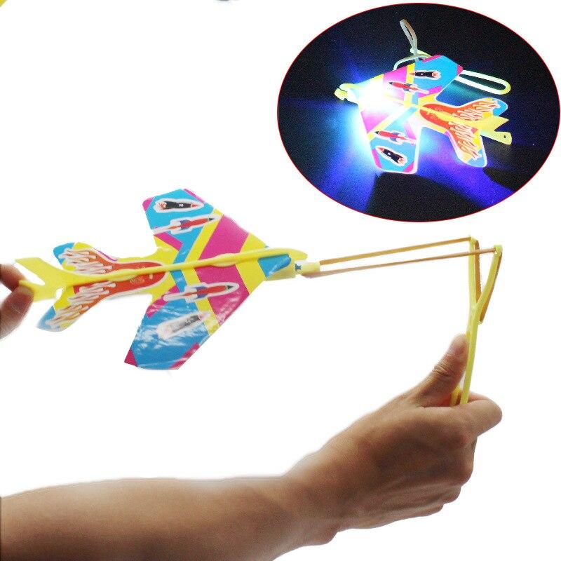 DIY Flash LED Avión de eyección Cyclotron Honda aviones juguetes para niños al aire libre interactivo DIY avión juego juguetes regalo