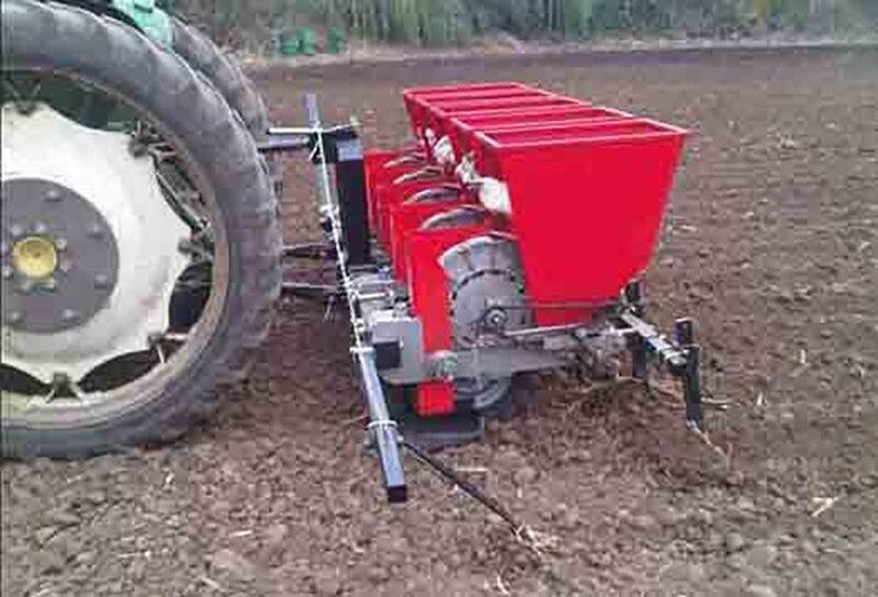 6-row four-wheel planter tractor-traction garlic gearbox fine seeder garlic planting machine enlarge