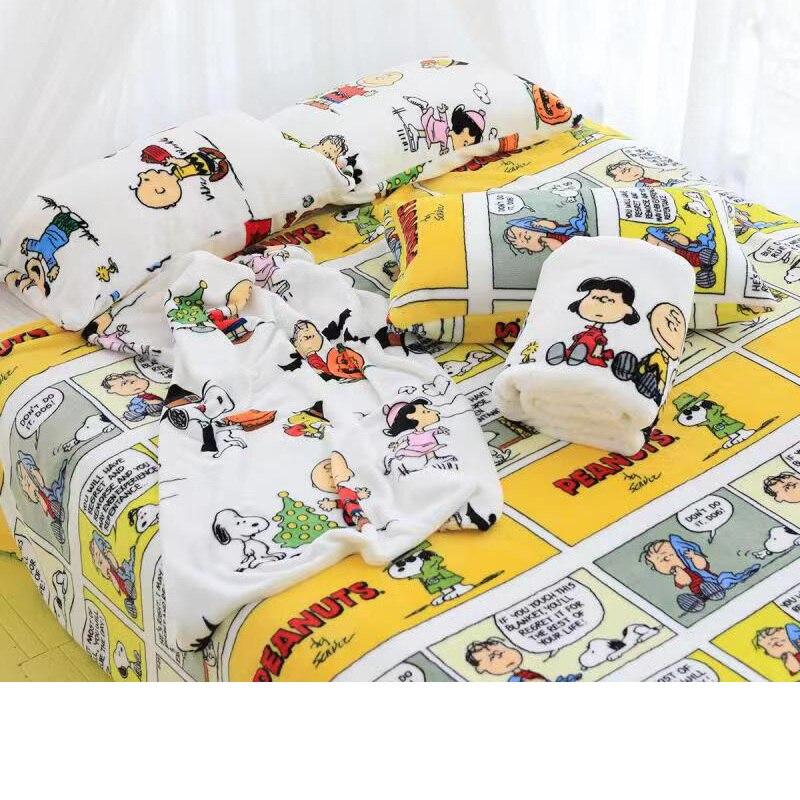 Manta de felpa Snoopy, edredón impreso, manta de franela de dibujos animados, funda de almohada, ropa de cama de corazón femenino, regalo Kawaii para chica, tema de animales