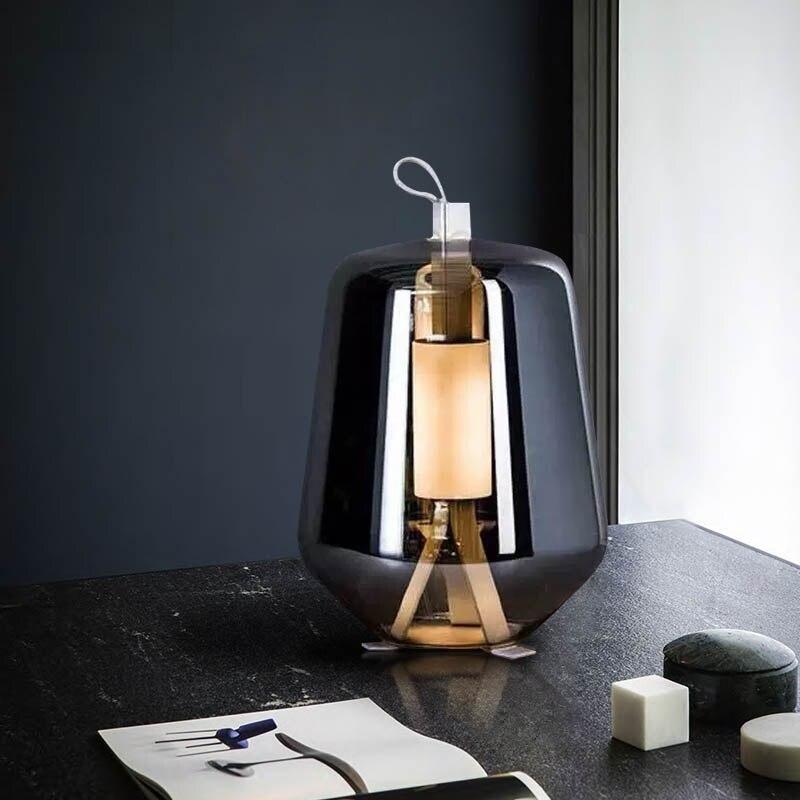 مصباح طاولة LED بتصميم إسكندنافي إبداعي ، زجاج رمادي دخاني ، مثالي للقراءة أو المكتب أو غرفة النوم أو المقهى أو البار.