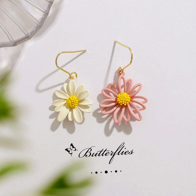 2020 Korea hot sale fashion jewelry sweet summer style asymmetric flowers beach party holiday earrings for women