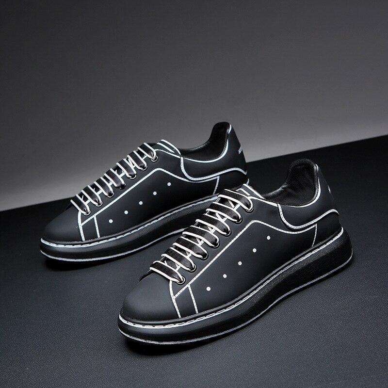 2021 الرجال والنساء الجلود أحذية التزلج حذاء رياضة جديد أحذية رياضية للنساء الارتفاع زيادة قبالة الكتابة على الجدران أبيض أسود