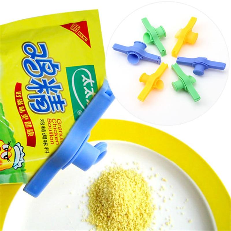1Pc Seal Pour Food Storage Bag Clip Reusable Food Preservation Clip Seasoning Nozzle Portable Sealing Clip Kitchen Supplies NS13