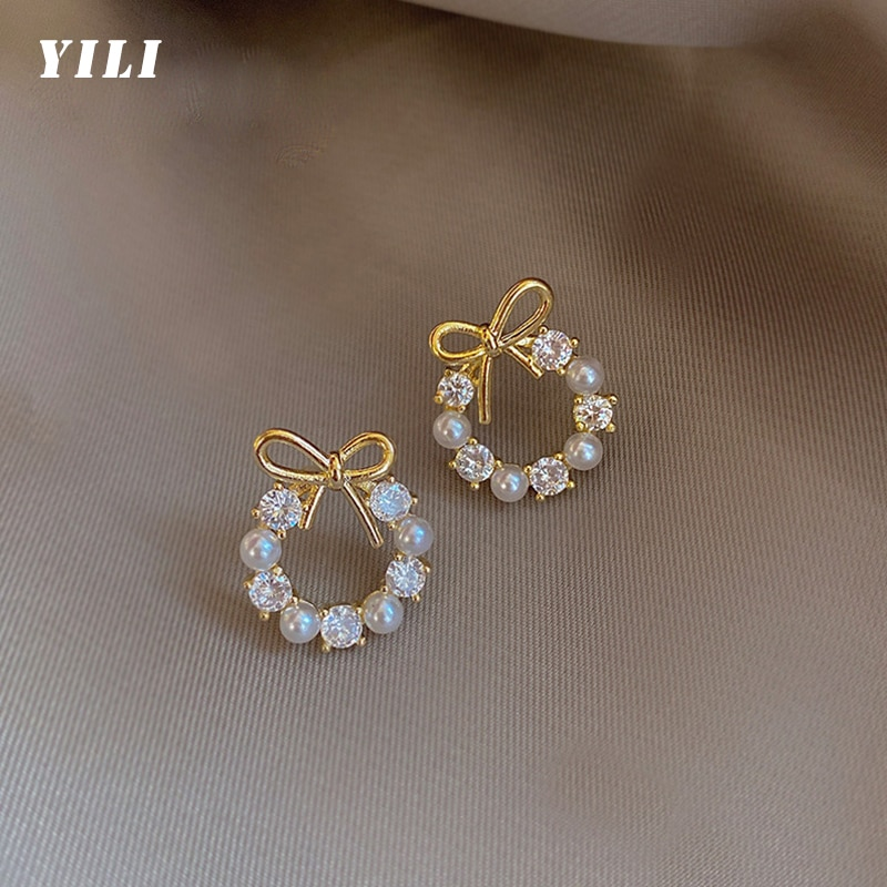 2021 Fashion Korean Dainty Bow Pearl Pendant Earrings Round Crystal Wreath Bow Stud Earring for Wome