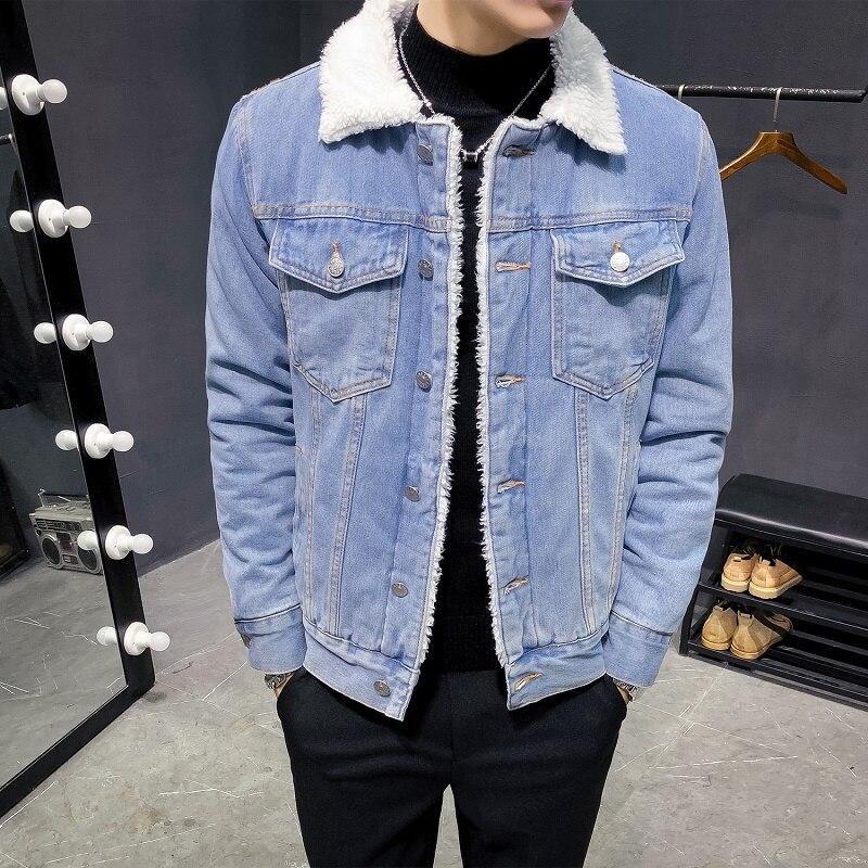 الرجال الشتاء الدنيم السترات الضوء الأزرق جان جاكيتات جديد الذكور سميكة الدافئة الدنيم معاطف كبيرة الحجم الصوف بطانة سوداء جان معاطف حجم 6XL