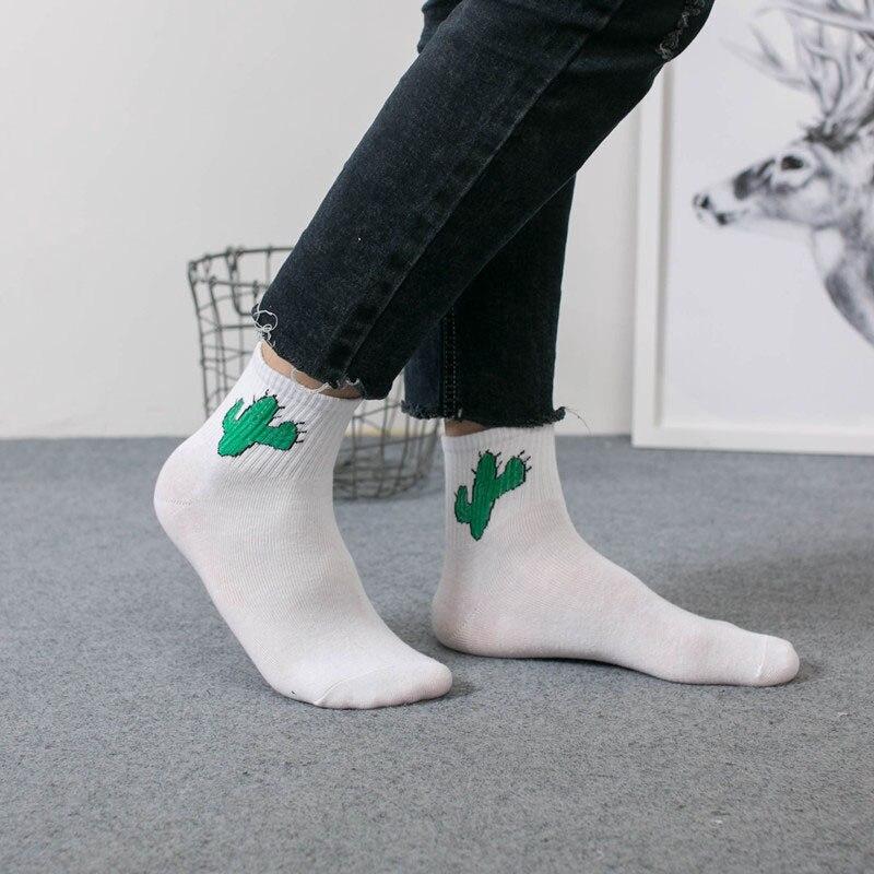 Funny Casual Style Unisex Couple Breathable Soft Socks Black Stripe Print Hip Hop Street Skateboard Socks Mid Tube For Women Men