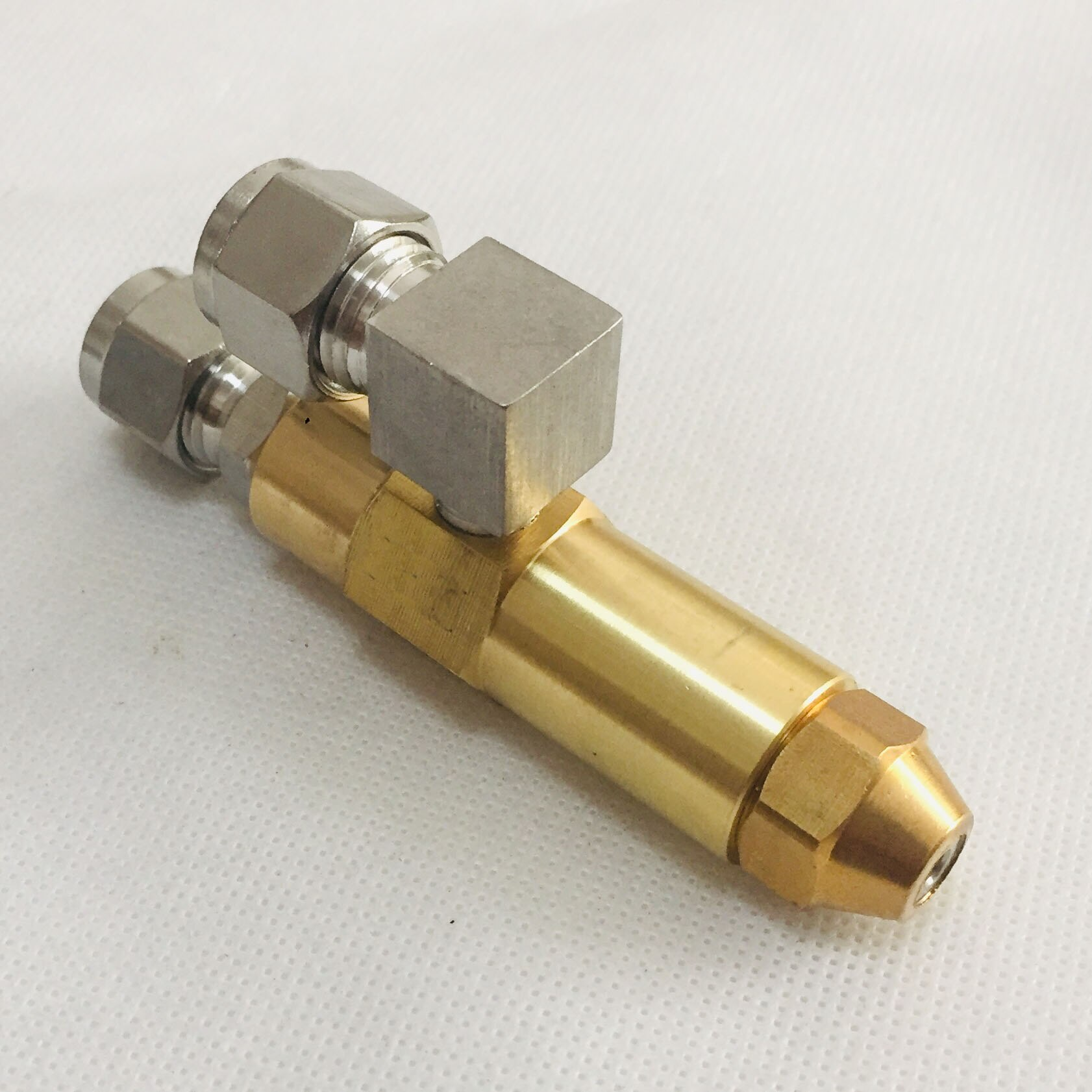68 мм 0,5/0,8/1,0/1,2/1,5/2,0/2,5/3,0 мм Насадка для горелки отработанного масла, распылитель воздуха, насадка для топливного масла, насадка для распыления масла полного конуса