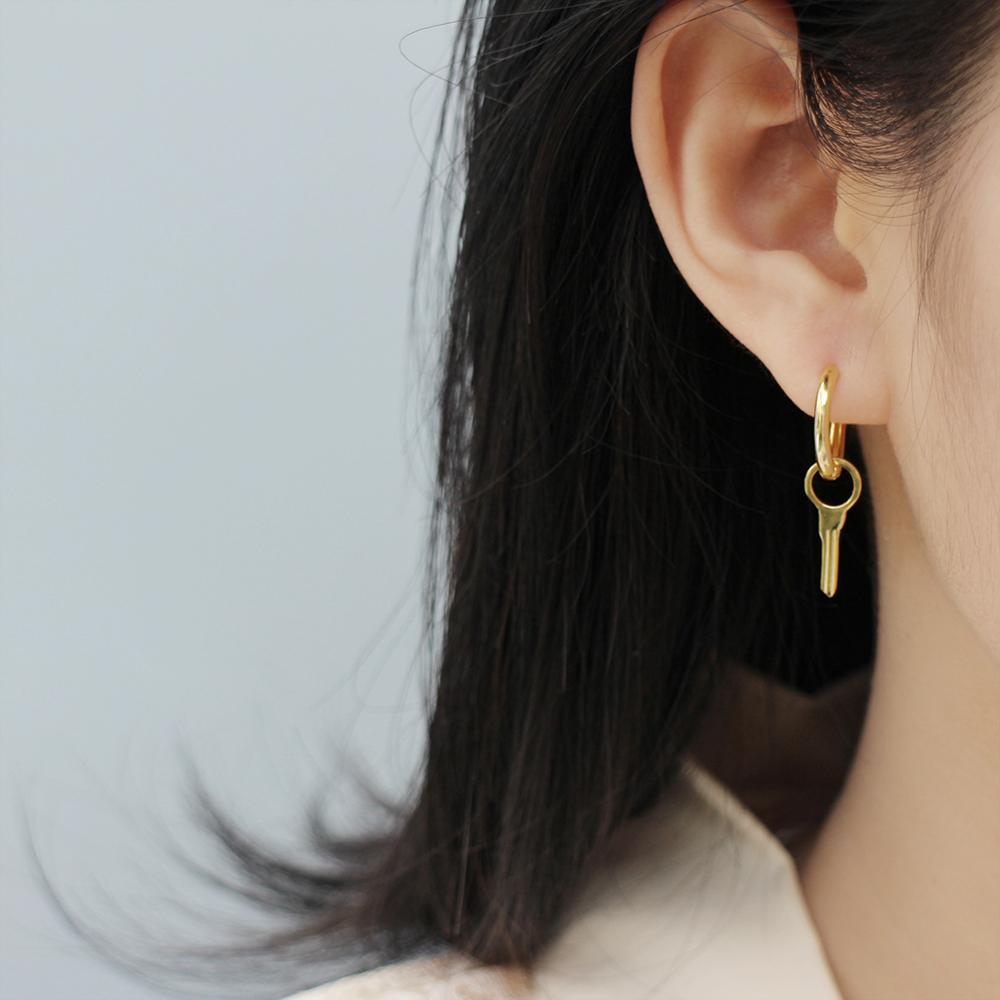 Pendiente de Plata de Ley 925 de moda viento fresco diseño geométrico en forma de U-oval orejera de la gota pendiente tendencia oreja femenina joyería de temperatura