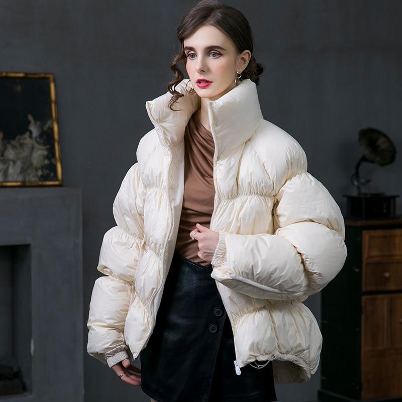 موضة المرأة فضفاض أسفل جاكيتات شتاء 2021 الإناث مطوي تصميم سستة معاطف سميكة الدافئة الأبيض بطة أسفل معطف حجم S-XXL