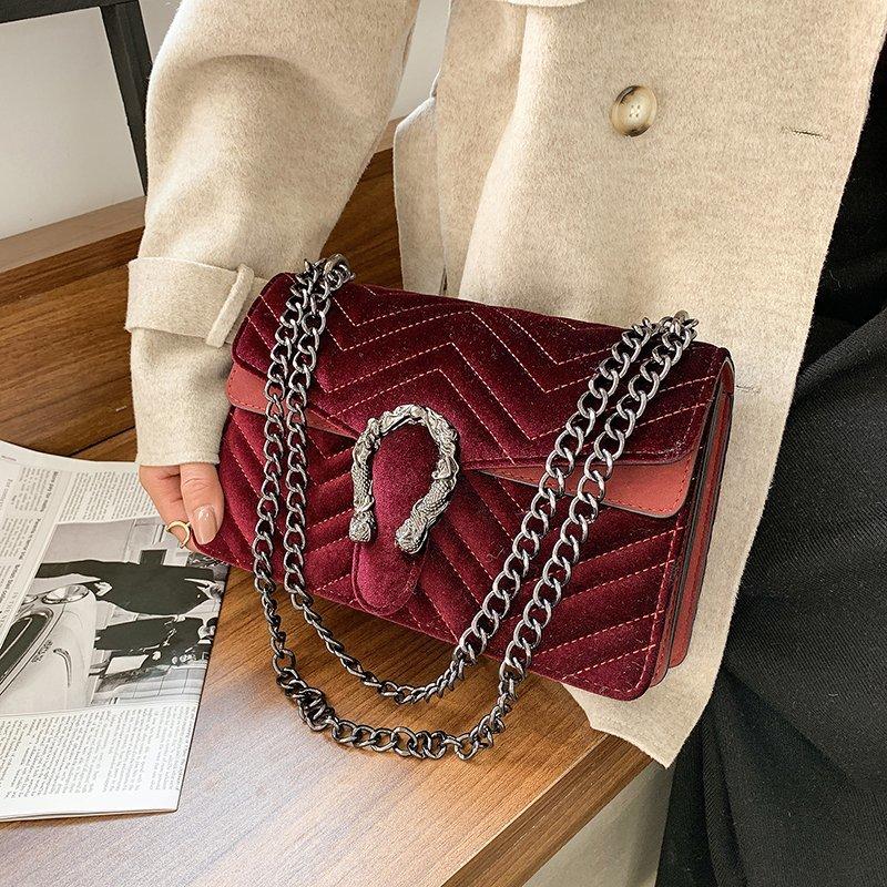 2021 حقيبة يد فاخرة للنساء حقائب مصمم خمر المخملية مخلب محفظة حقيبة كتف حقيبة كروسبودي الصغيرة للنساء بولسا الأنثوية