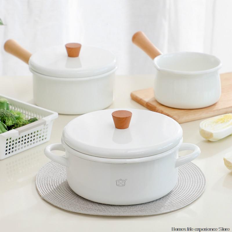 المينا إناء للحساء سميكة مع مقبض خشبي التعريفي طباخ الغاز مقاومة للحرارة الأواني الحليب اليابانية غير عصا أواني المطبخ مجموعة