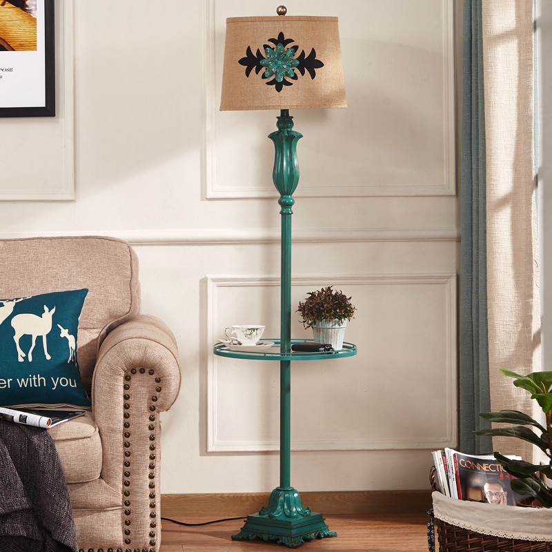 Lámpara de pie americana estilo Retro dormitorio mesita de noche lámpara de mesa con escritorio mesa de café bandeja de almacenamiento lámpara de pie sala de estar europea