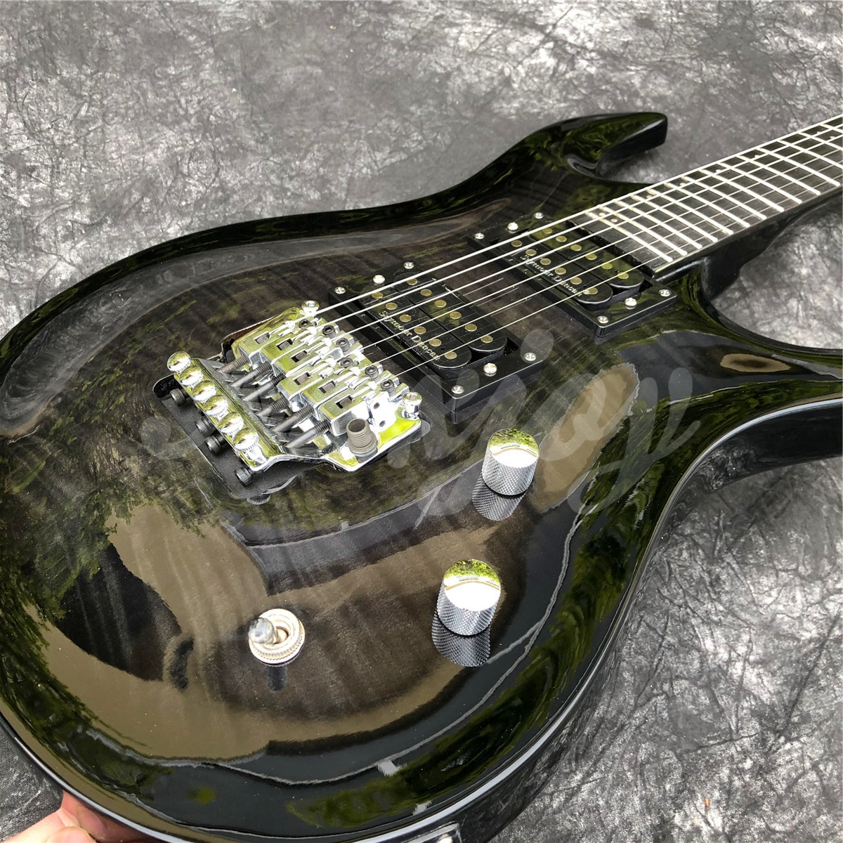 2021 New Glossy Black Flame Maple 6 String Solid Electric Guitar,Real Photos,In Stock,Free Shipping enlarge